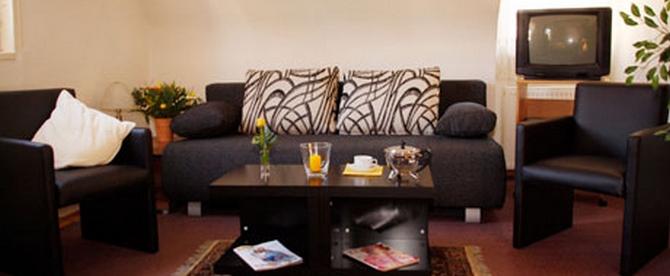 670-276 Apartment2